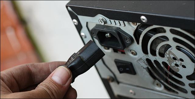 حل مشكلة اغلاق الكمبيوتر بعد لحظات من تشغيله